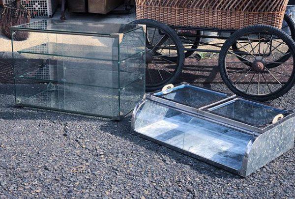 ブリキのガラスケース